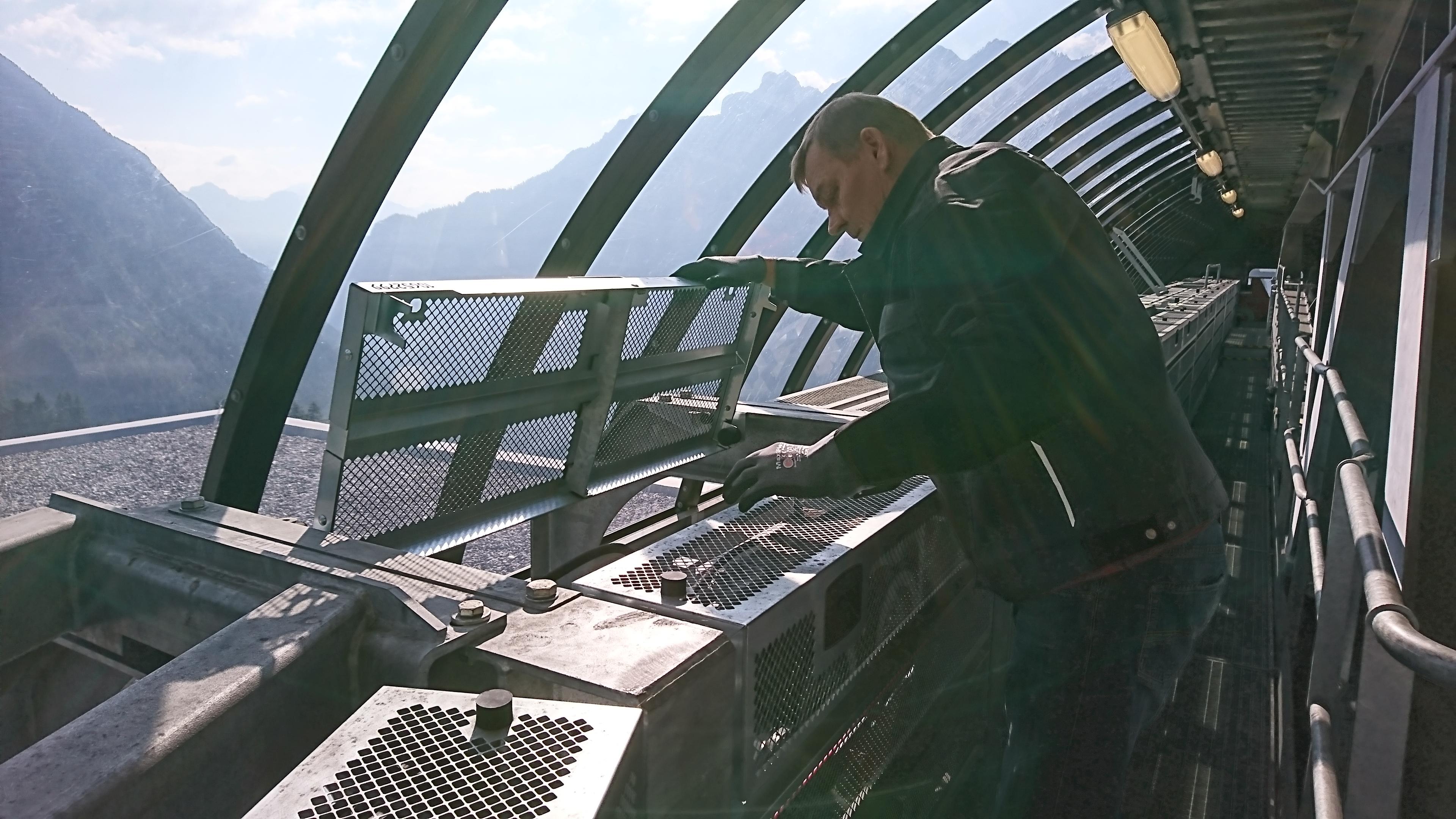 Erster Mitarbeiter am Berg